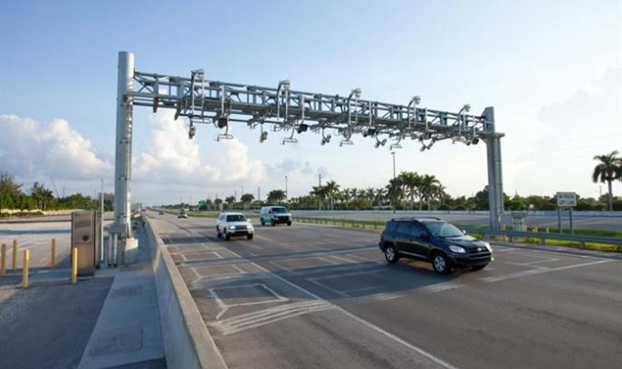 I USA betales vejskat ofte gennem anlæg som dette. Systemet kaldes All Electronic Tolling, og man behøver ikke at standse for at betale.