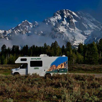 En Autocamper er den ideelle transportform, når du besøget Grand Teton og Yellowstone.