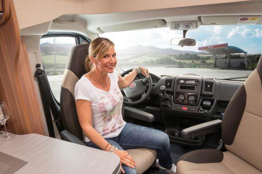 Duo Plus autocamper med sæder, der kan vendes