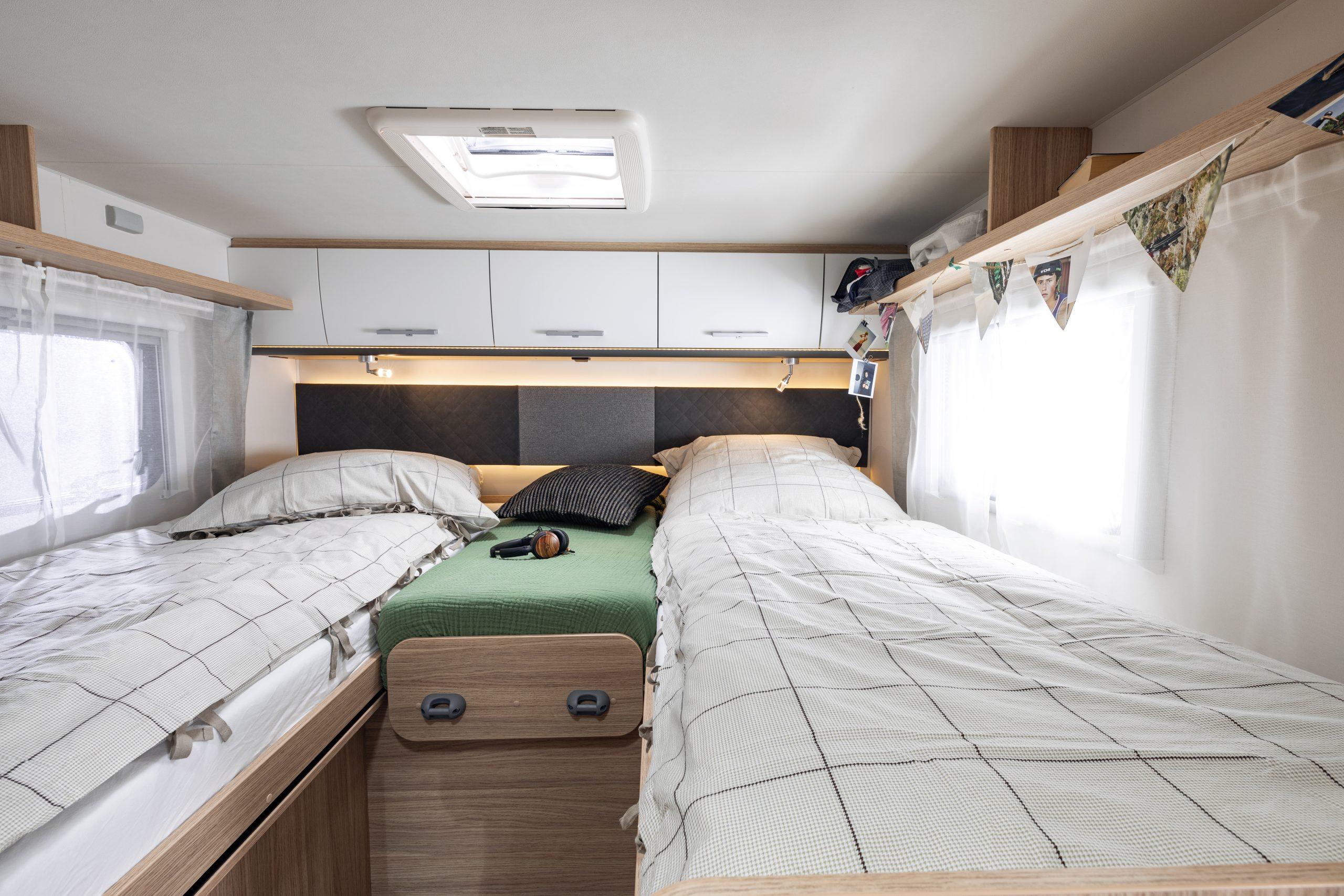 Sovepladser bagerst i Standard Family